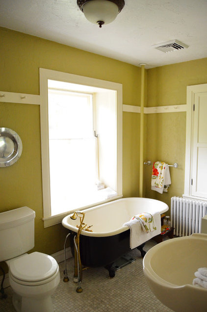 Farmhouse Bathroom by Amy Renea