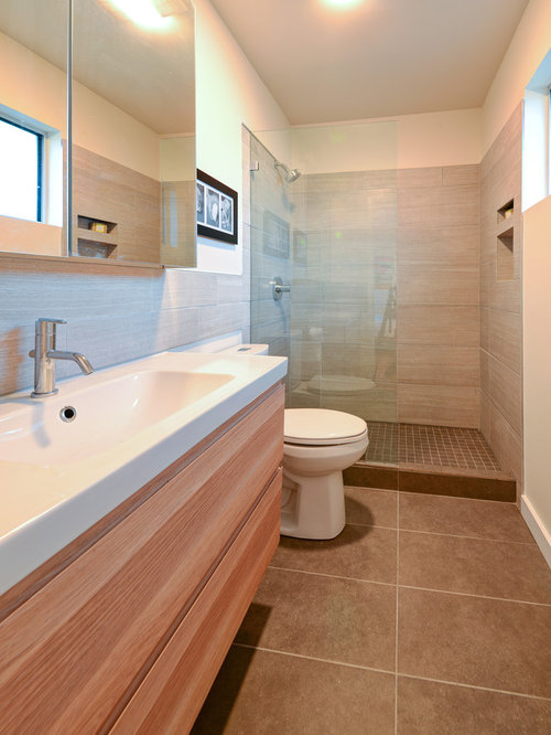 midcentury bathroom design ideas remodels photos with a two piece toilet. Black Bedroom Furniture Sets. Home Design Ideas