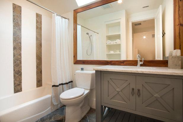 Морской Ванная комната by Court Atkins Group