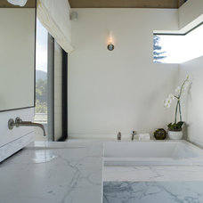 Modern Bathroom by Butler Armsden Architects