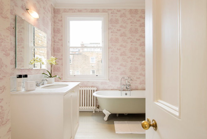 Классический Ванная комната by Firfield Developments