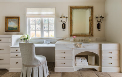 Your Guide to a Traditional-Style Bathroom