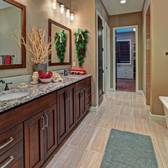 Exceptionnel StarMark Cabinetry Cherry Bath Cabinets In Sioux.