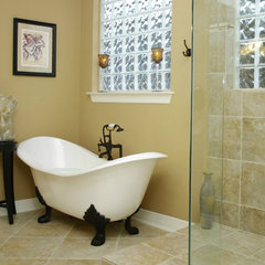 traditional bathroom by Greg Logsdon