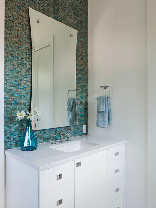 Aqua bathroom ideas pictures remodel and decor for 19 blue salon santa barbara