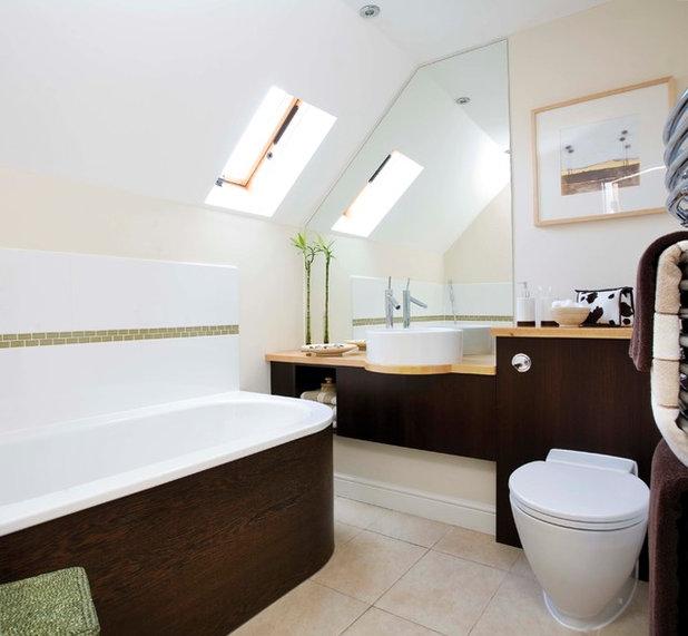 Modern Bathroom by Stephen Graver