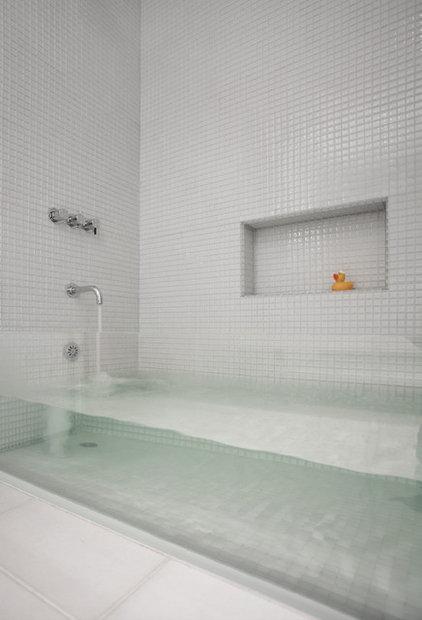 Contemporary Bathroom by Stern McCafferty