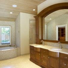 Traditional Bathroom by Chr DAUER Architects
