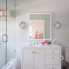 Modern Bathroom by T.A.S Construction