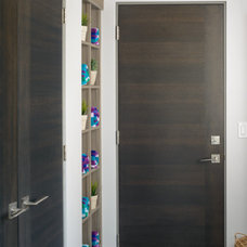 Modern Bathroom by Lynden Door