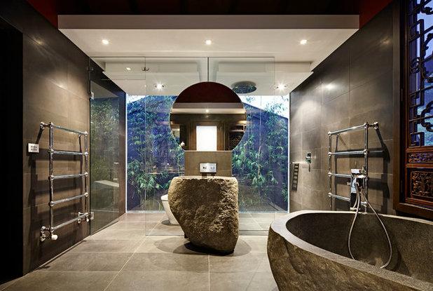 Восточный Ванная комната by Nickson and Burke
