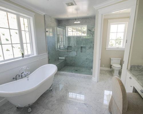 salle de bain moderne avec une baignoire sur pieds. Black Bedroom Furniture Sets. Home Design Ideas