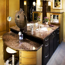 Contemporary Bathroom by Robinette Architects, Inc.