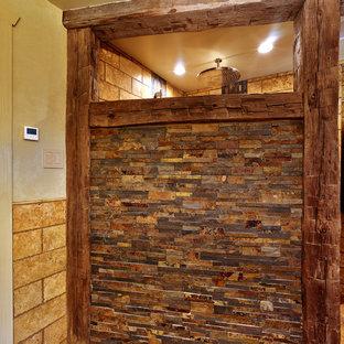 フィラデルフィアのラスティックスタイルのおしゃれな浴室の写真