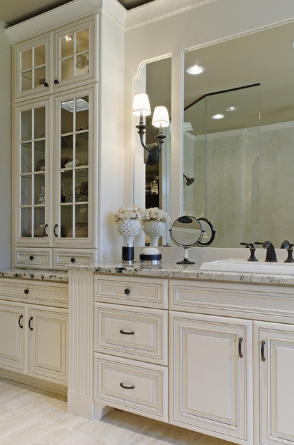 Traditional Bathroom by Jenny Campbell