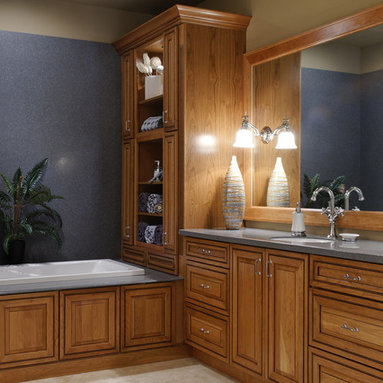 Honey Oak Trim Bathroom Design Ideas, Pictures, Remodel and Decor