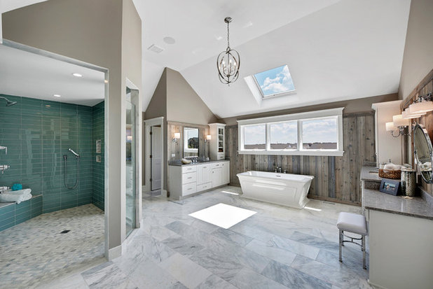 Costero Cuarto de baño by King's Court Builders, Inc.