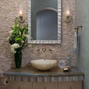 Immagine di una stanza da bagno contemporanea di medie dimensioni con lavabo da incasso, ante lisce, top in granito, WC monopezzo, pareti grigie, pavimento in legno massello medio, piastrelle beige, piastrelle in travertino e ante in legno bruno