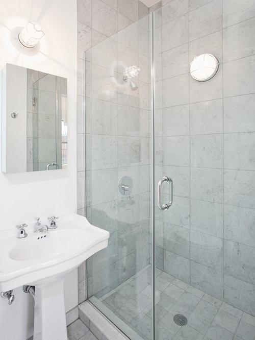 Small apartment bathroom home design ideas renovations for Houzz small apartments