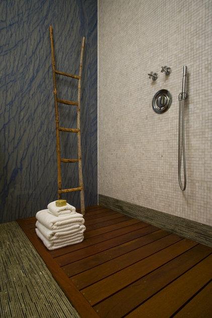 Contemporary Bathroom by GRADE