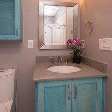 Contemporary Bathroom by emma delon