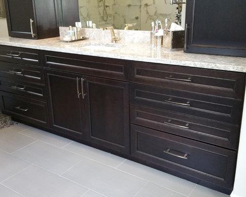 Stunning Ebony Master bathroom Retreat