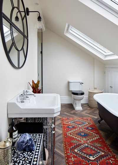 Eclectic Bathroom by Resi