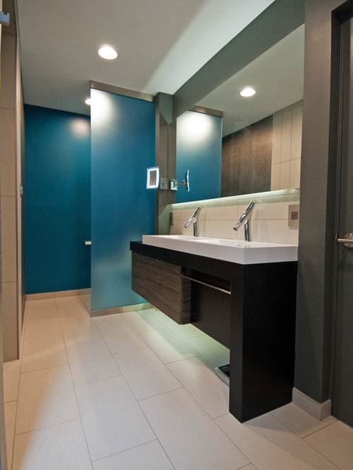 Small bathroom design ideas renovations photos with a for Small japanese bathroom design