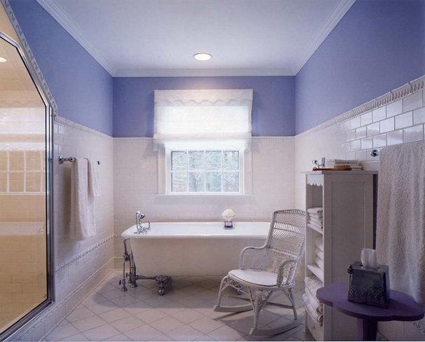 Traditional Bathroom by Leslie Saul & Associates