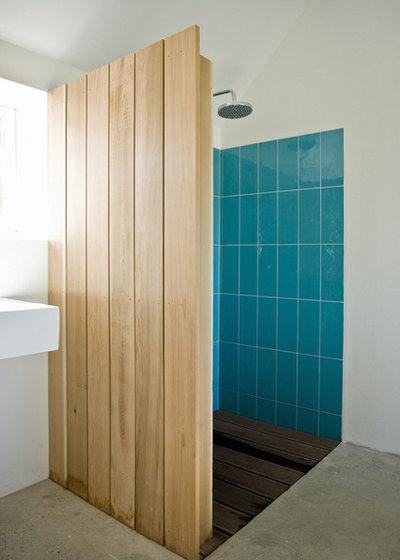 Scandinavian Bathroom by LASC Studio