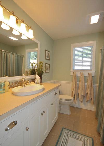 Coastal Bathroom by Cottage Home, Inc.
