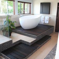 Modern Bathroom by Bondanelli Design Group, Inc.