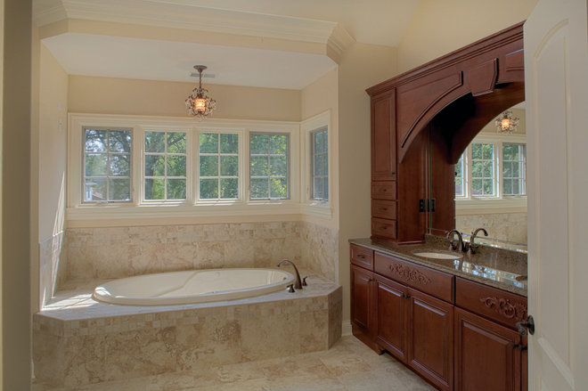 Traditional Bathroom by Summit Signature Homes, Inc.