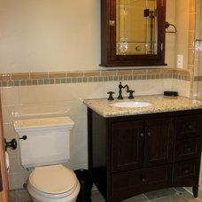 Craftsman Bathroom by J. Kretschmer Architect: Art & Architecture