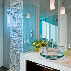 Contemporary Bathroom by Clarum Homes