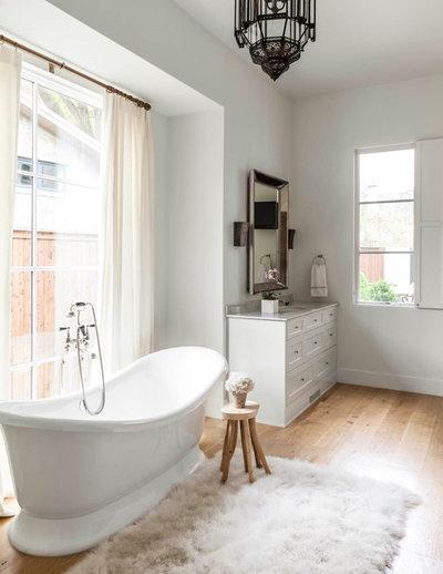 Elegant Transitional Bathroom by Stocker Hoesterey Montenegro