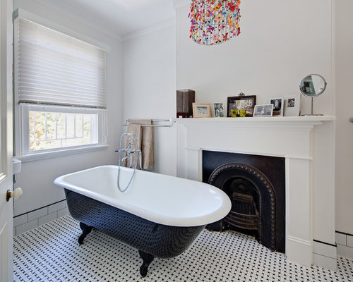 This Is An Example Of A Small Traditional Master Bathroom In Sydney With A  Claw  Part 67