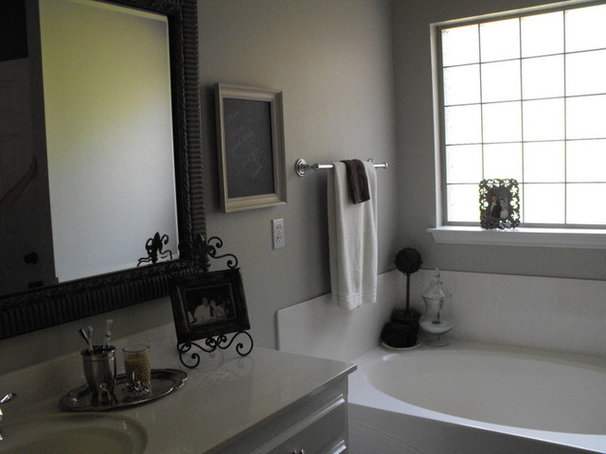 Traditional Bathroom by Susie Harris