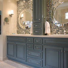 Beach Style Bathroom by Susie Ralls Designs