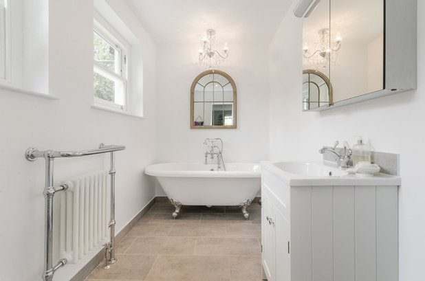 Shabby-Chic Style Bathroom by Bashtan at ARCHITECTURE HUB
