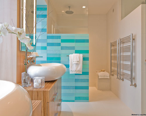 Sea glass tile border home design ideas pictures remodel for Sea bathroom ideas