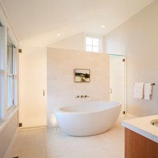 Beach Style Bathroom by Aquidneck Properties