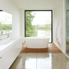 modern bathroom by CHRISTIAN DEAN ARCHITECTURE, LLC