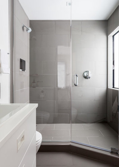 Modern Bathroom by Popp Littrell Architecture + Interiors