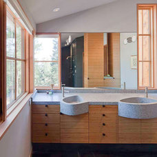 Rustic Bathroom by WA design