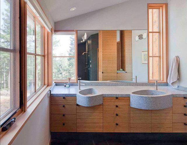 Rustic Bathroom by WA design