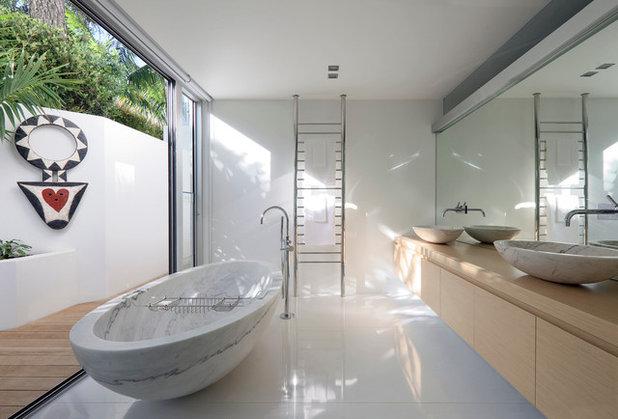 Contemporary Bathroom by Julian-guthrie.com