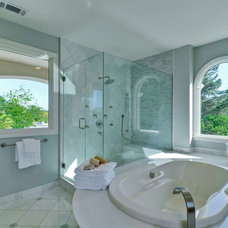 Traditional Bathroom by Rayco Painting