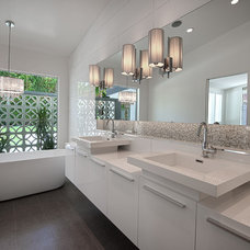 Midcentury Bathroom by H3K Design