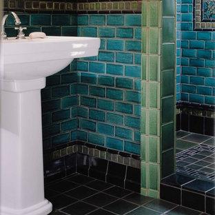 Idee per un soggiorno stile americano con pareti beige, pavimento con piastrelle in ceramica e pavimento verde